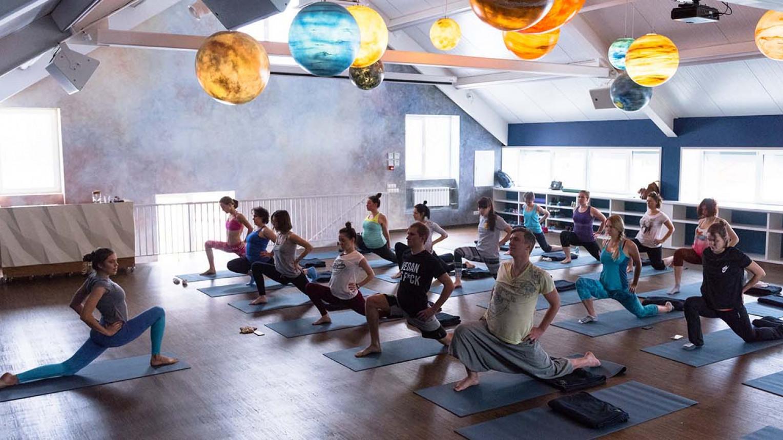 Просторный зал для йоги и танцев - фото №3