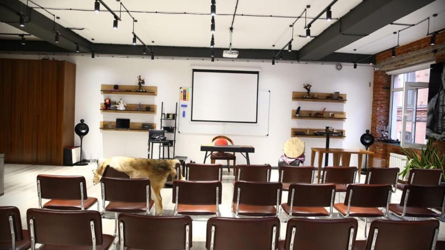 Конференц-зал премиум-класса - фото №1