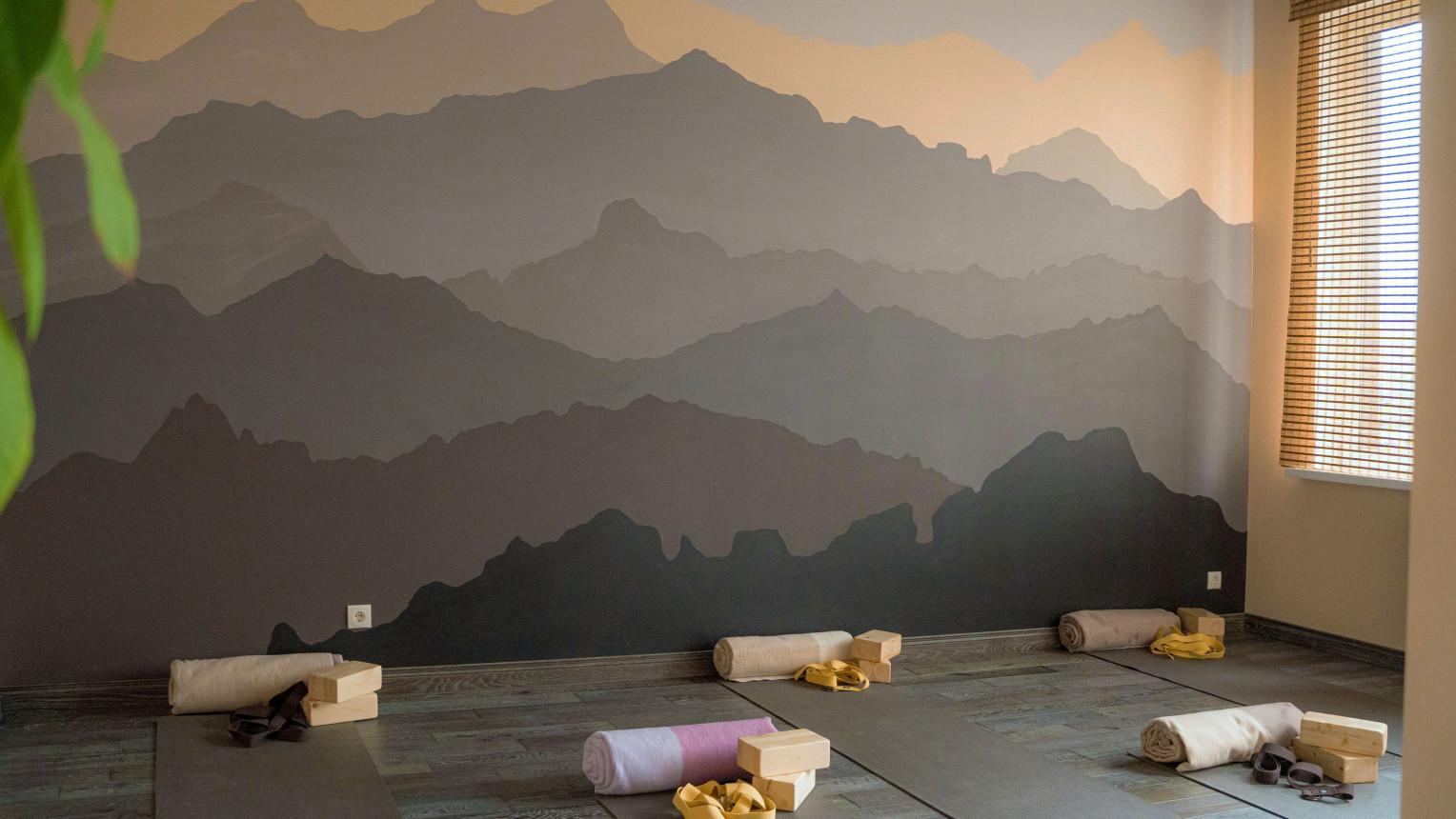 Зал для динамических практик и медитаций
