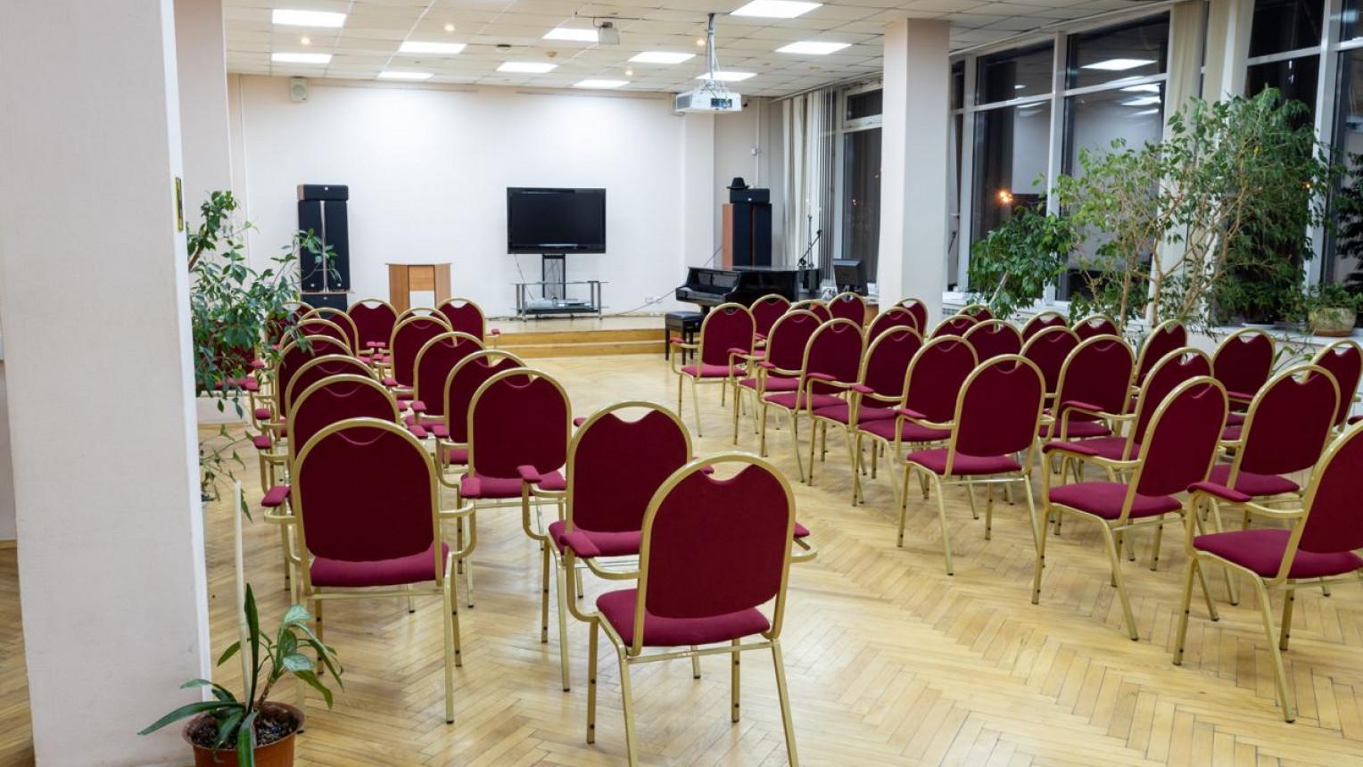 Большой зал на Красносельской - фото №1