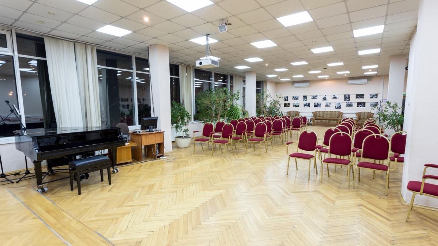 Большой зал на Красносельской - фото №2