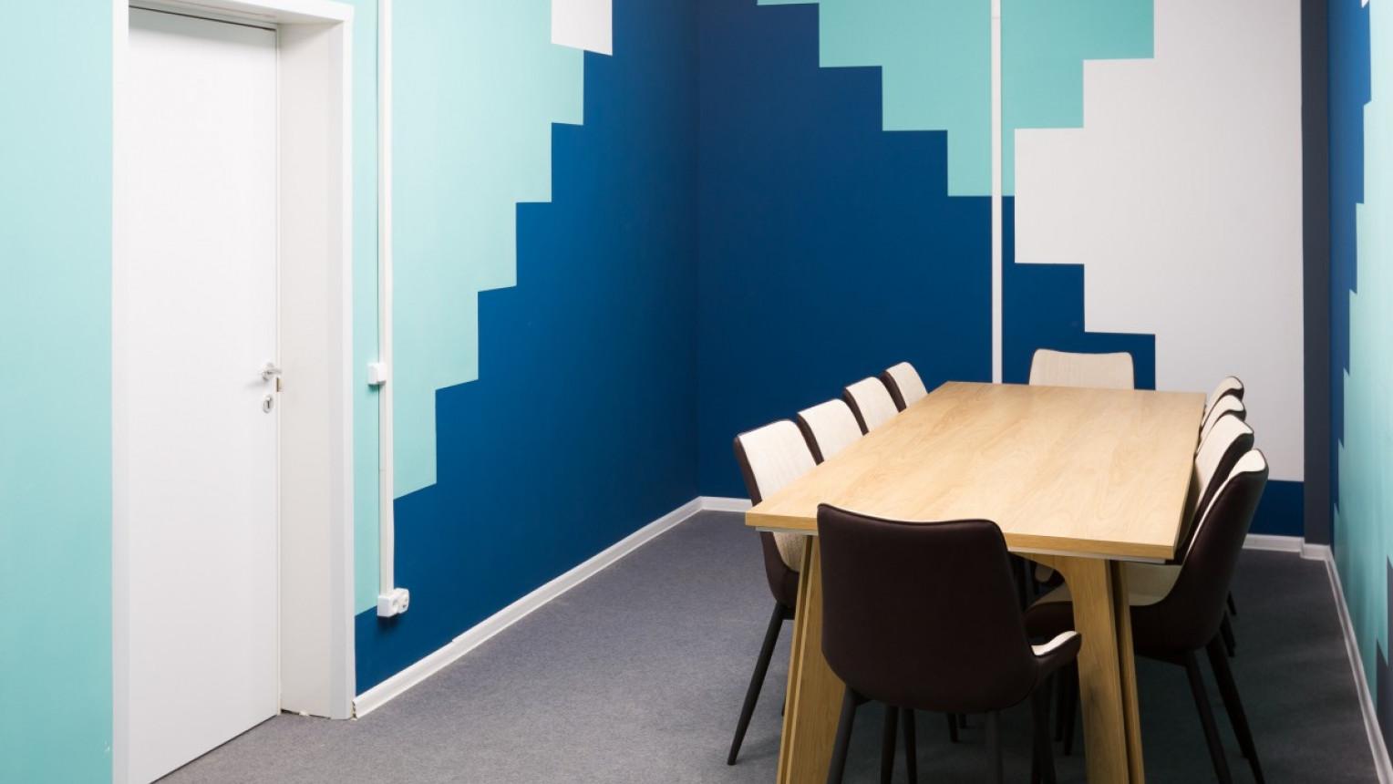 Переговорная комната на 10 человек