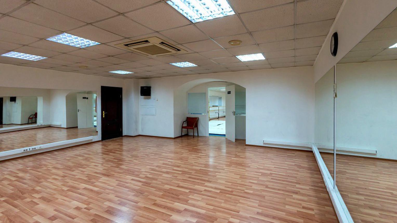 Танцевальный фитнес зал