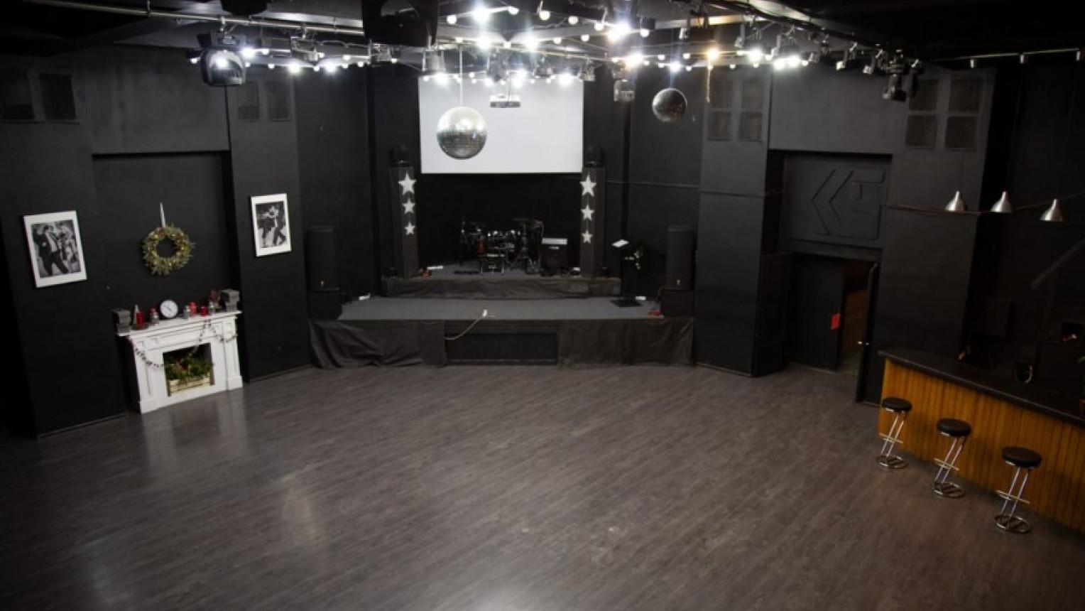 ART CLUB LOFT - фото №1