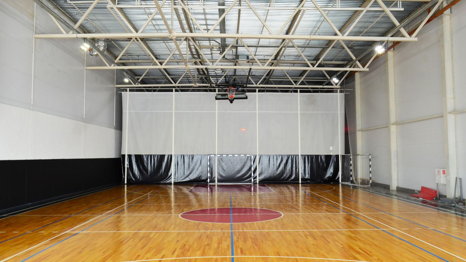 Универсальный спортивный зал - фото №2
