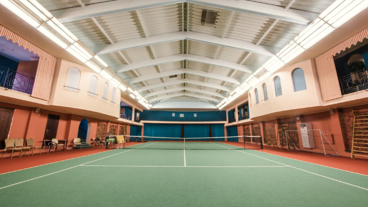 Теннисный корт - фото №2