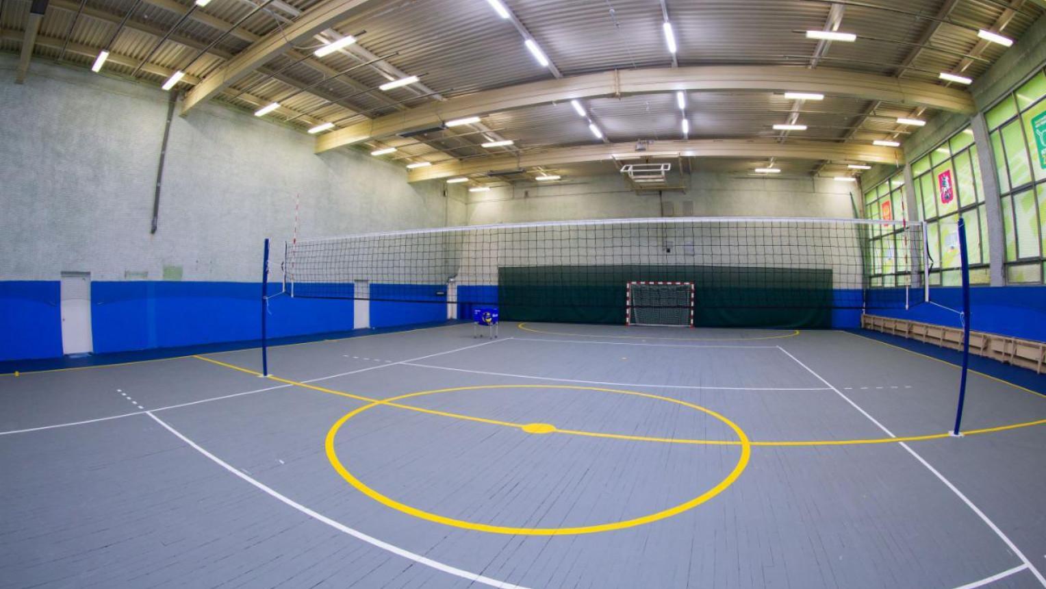 Зал для футбола и волейбола