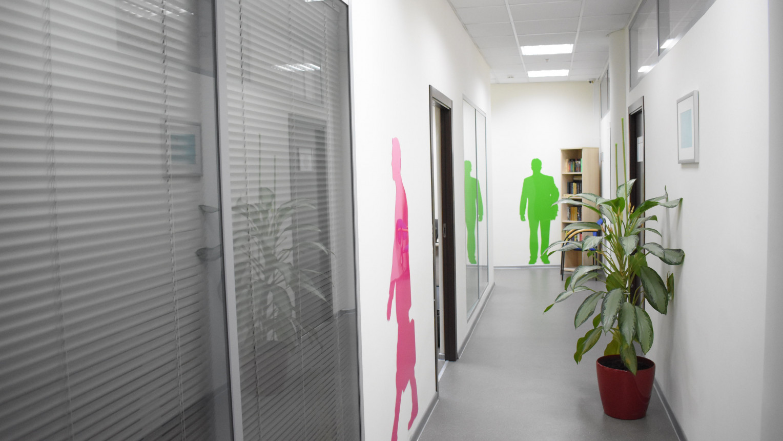 Переговорная комната на 10-13 человек - фото №7