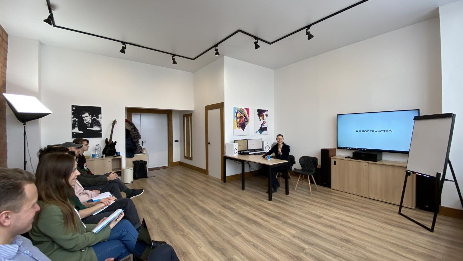 Зал для лекций и семинаров - фото №5