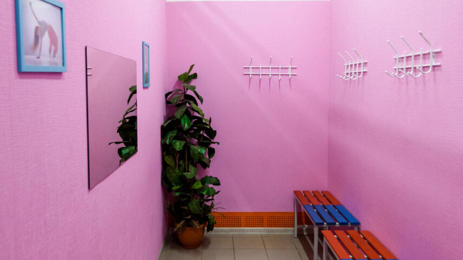 Яркий танцевальный зал - фото №3