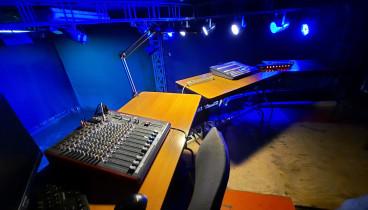Театральный зал - 2